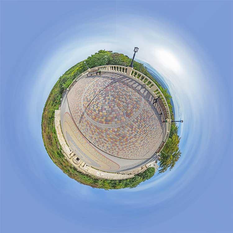 Круговая панорама маленькая планета